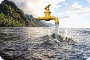 See mit schwebendem Wasserhahn aus dem Wasser läuft. Ist Umkehrosmose bei Wasser sinnvoll? Lohnt sich der kauf einer Umkehrosmoseanlage?